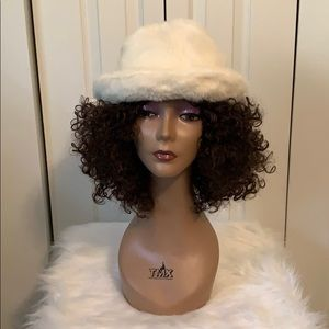 Accessories - Faux fur bucket hat